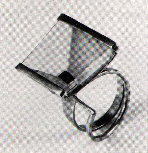 Margaret de Patta Ring, materials: onyx, crystal, mounted in yellow gold, late '40s