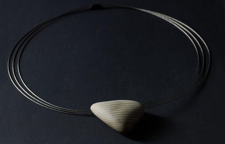 Jarosław Kolec - necklace with a striped flint