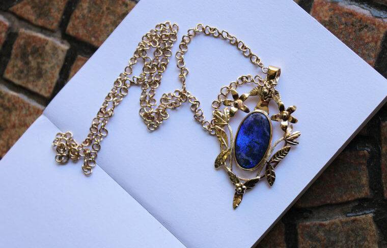 opal wisior
